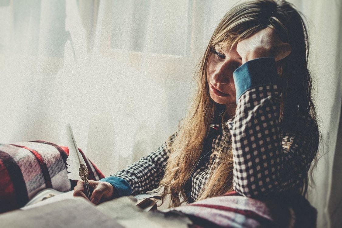 אישה צעירה עם חוסר איזון הורמונלי כותבת מכתב