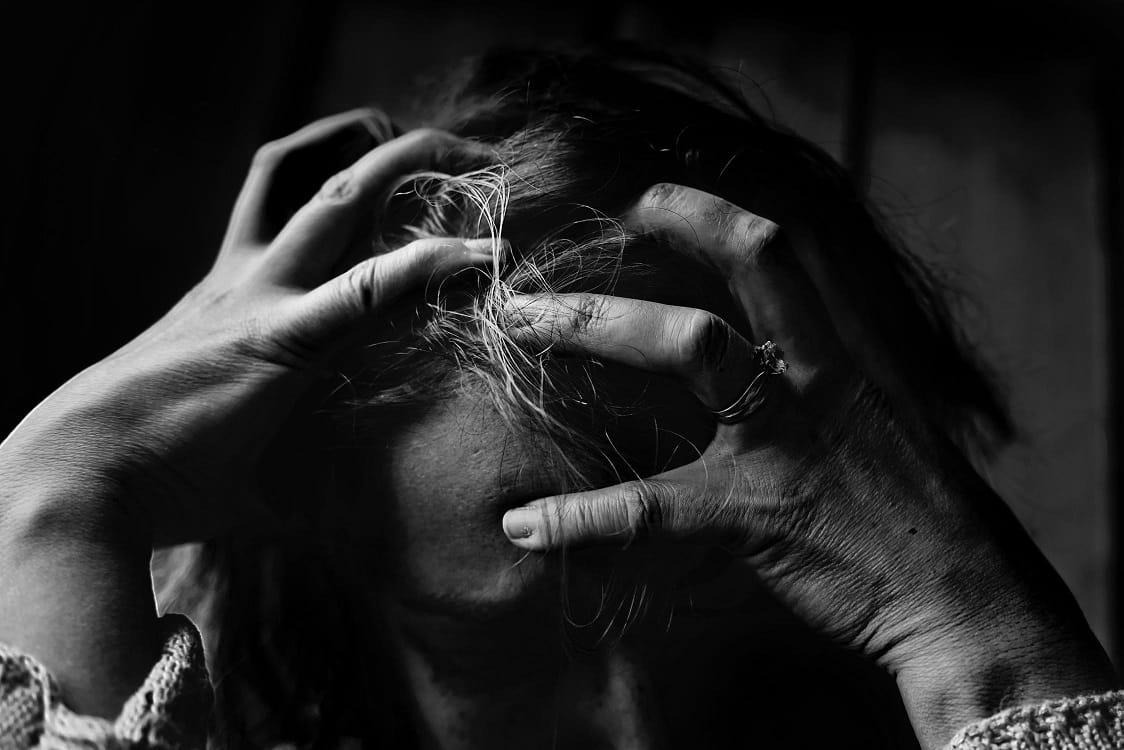 סיבות נשירת שיער נשים לחץ נפשי