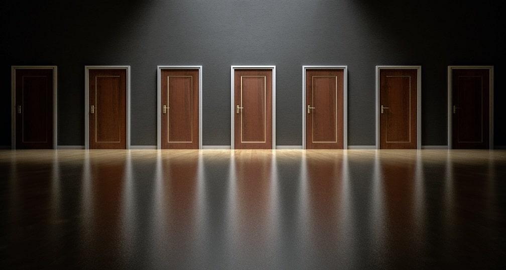 7 דלתות שממחישות דרכים שונות