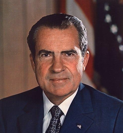 ריצ'רד ניקסון בשלב מספר 3 של סולם נורווד המילטון