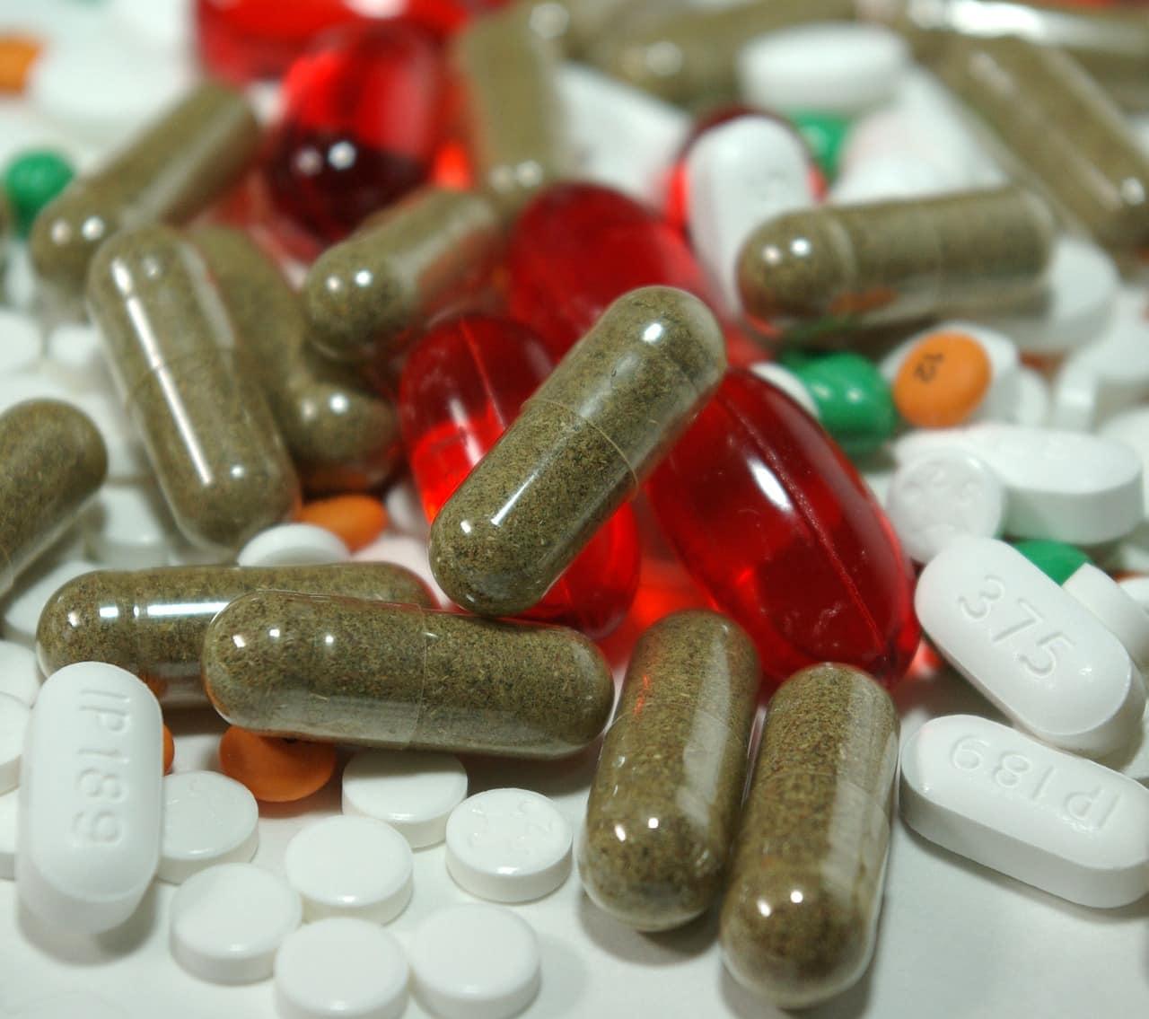 אילוסטרציה של תרופות שיש לקחת איתן תוסף של חומצה פולית