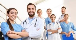 כמה רופאים שכל אחד הוא רופא מומחה נשירת שיער