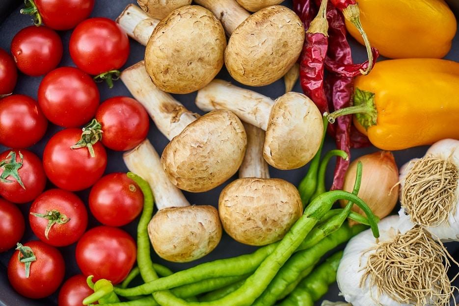תמונה של סוגים שונים של ירקות בריאים